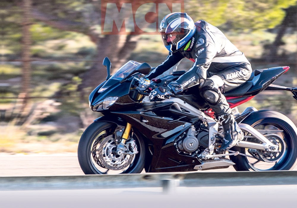 News : New Triumph Daytona 765 spied