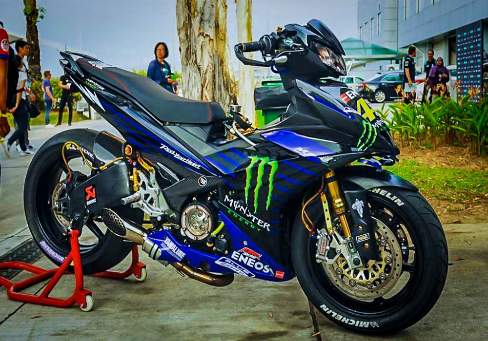 News : Monster Energy version of 2019 Yamaha MX King is showcased in Malaysia