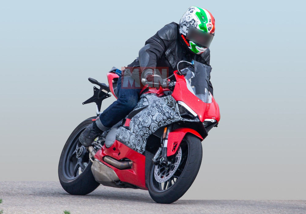 News : Upcoming Ducati Panigale 959 Spied