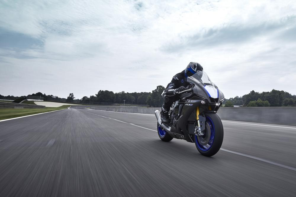 News : Yamaha R1M 2020 price in Europe and in India
