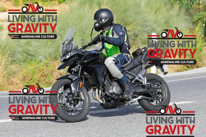 Scoop: Spied upcoming Triumph Tiger 800 XC and Tiger 800 XR prototype